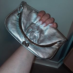 AUTH HOBO INTERNATIONAL LN SILVER METALLIC HANDBAG